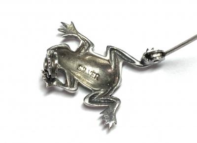 [サムネイル]エナメル彩 カエルのブローチ
