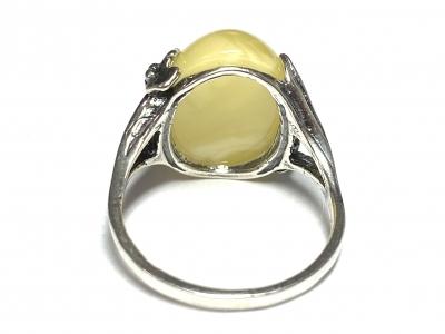 [サムネイル]琥珀のリング